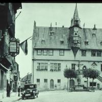 """Gründungslokal der SPD -das Hotel """"Zur Schnecke"""" am Marktplatz, heute Buchhandlung zum Turm"""